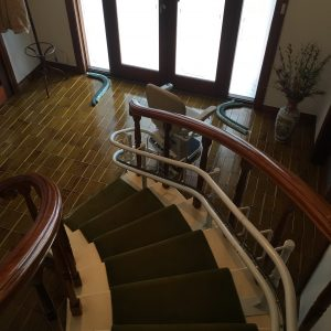 curved stair lift with parking bend